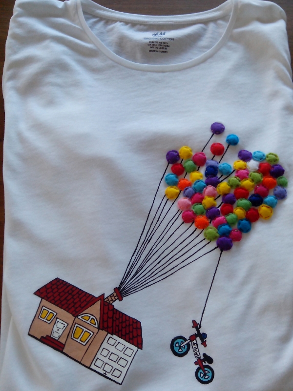 camiseta-pintada-casa-globos
